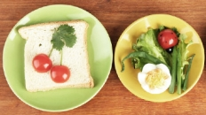 plate with bread and tomatoes plate with salad